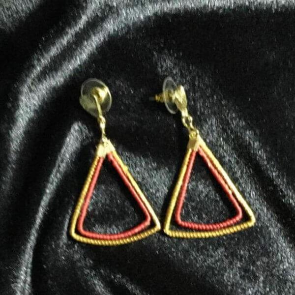 Boucle d'oreille triangle or végétal